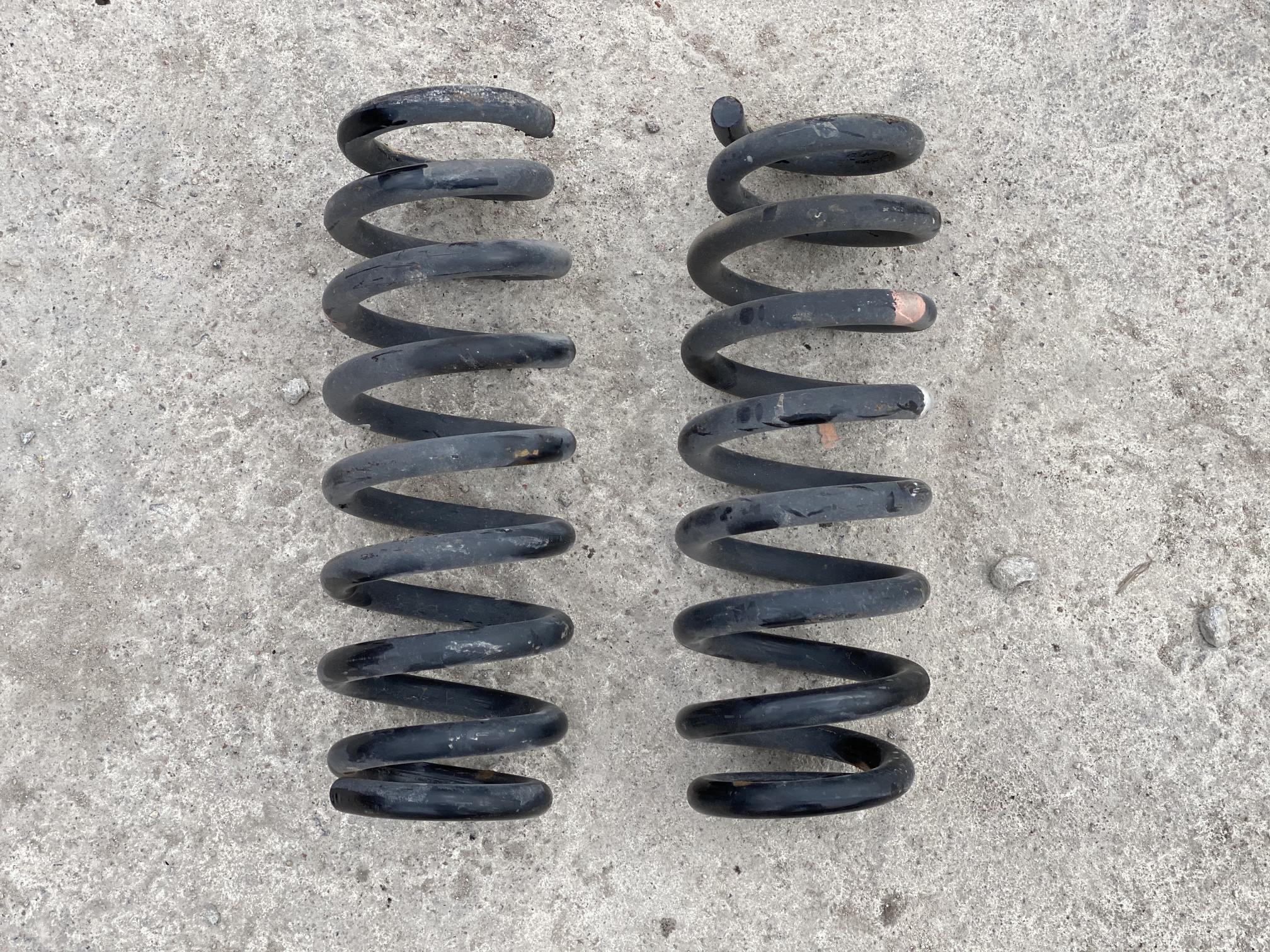 Пружина подвески задняя Suzuki Vitara2