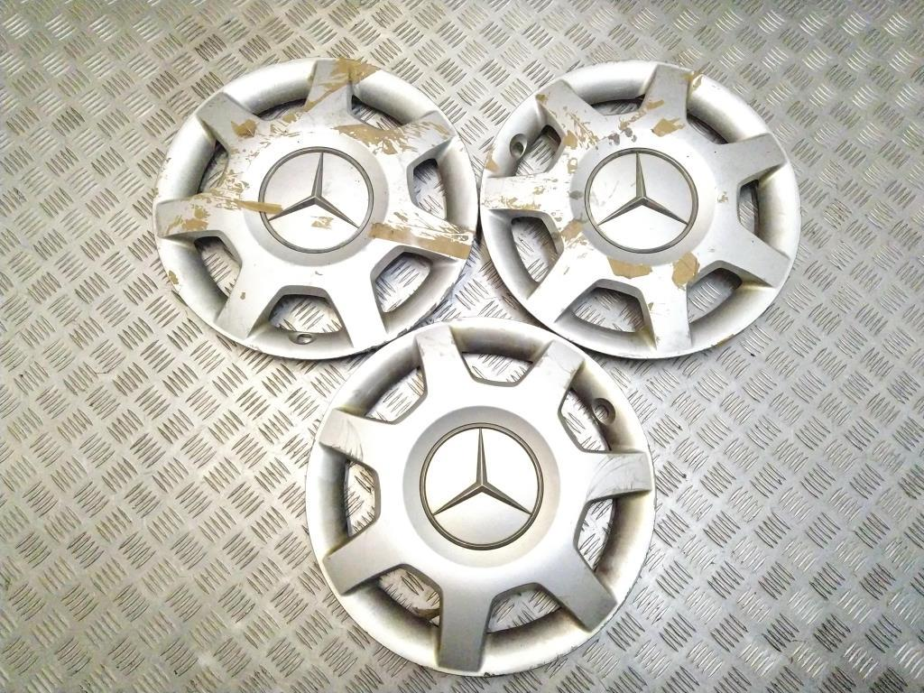 Колпак колесный   A1694000925,A1694010624