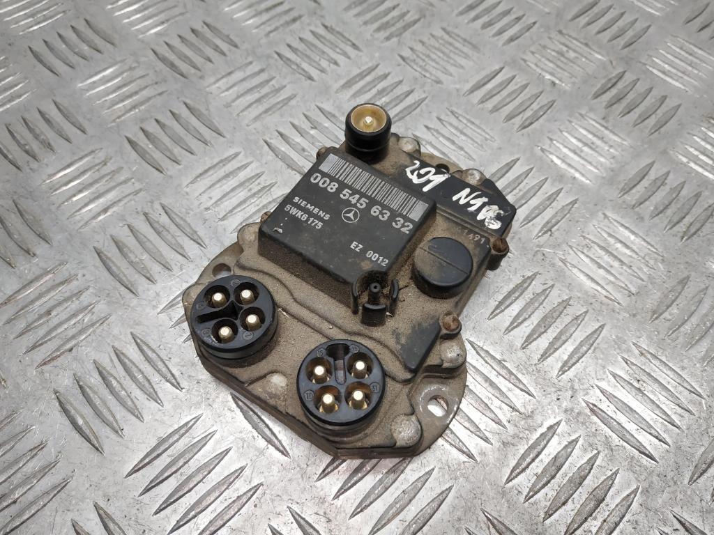 Коммутатор зажигания   0085456332