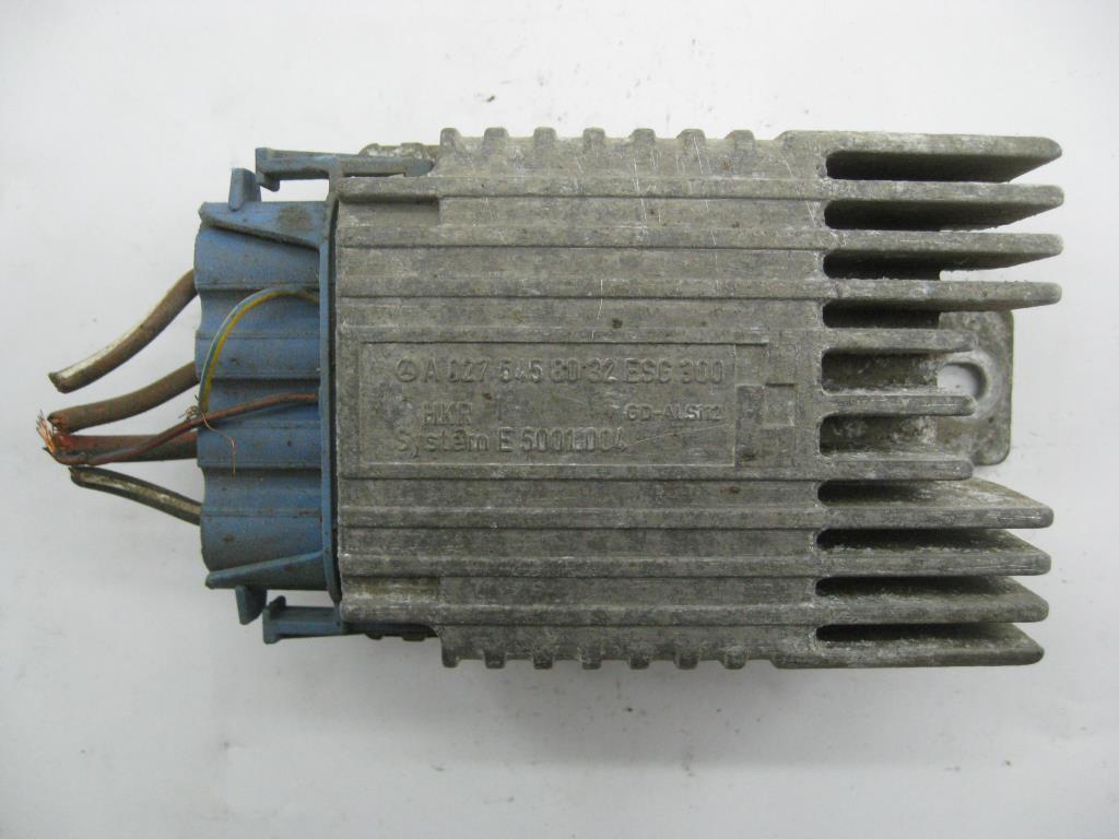 Реле вентилятора   A0275458032,A0255453232