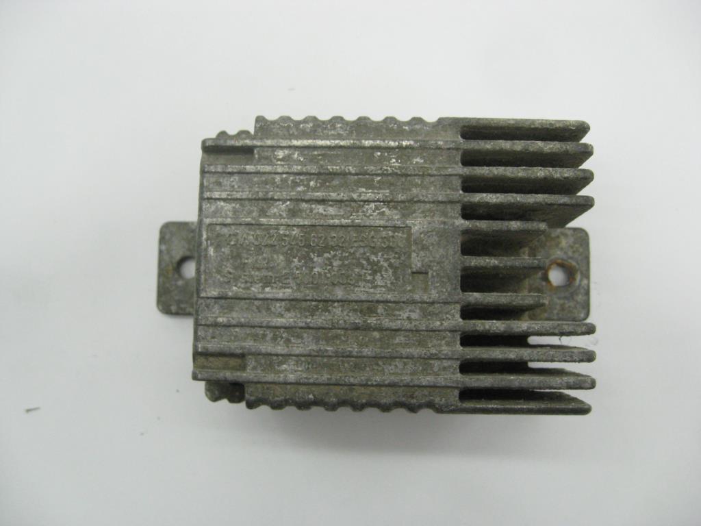 Реле вентилятора   A0225456232,A0255453232