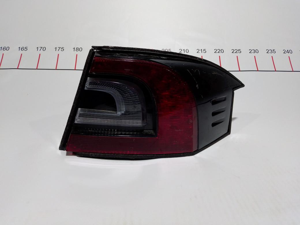 Фонарь задний правый Tesla  6005919-00-F