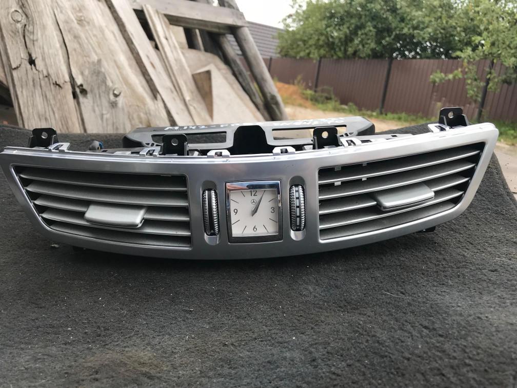 Дефлектор обдува салона Mercedes S W221 A2218300954